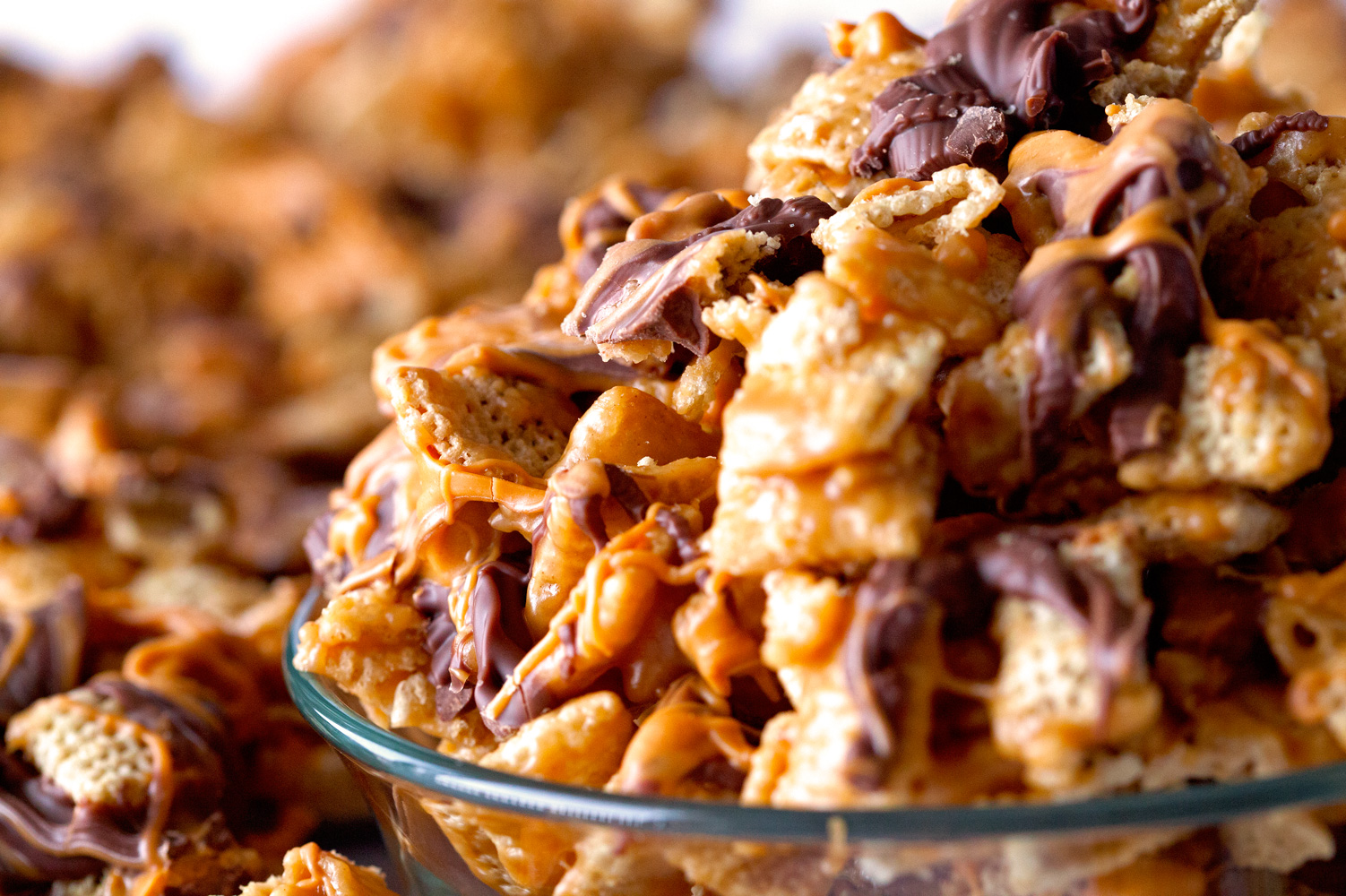 Ooey Gooey Cereal Crunch Mix by deliciouslyyum.com