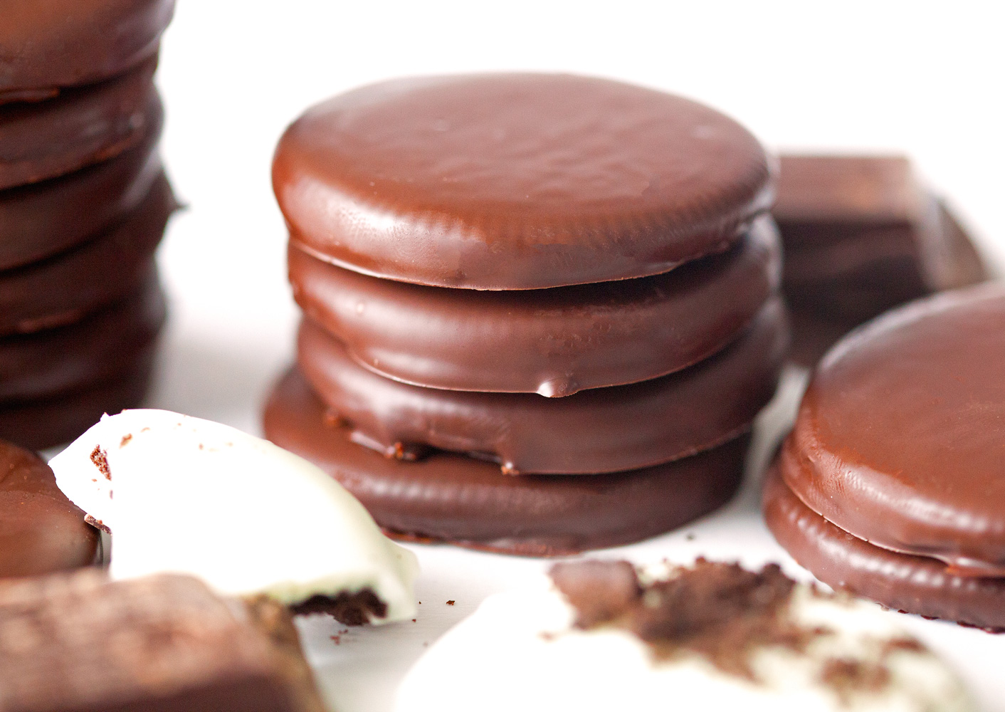 Homemade Thin Mints by Deliciously Yum!