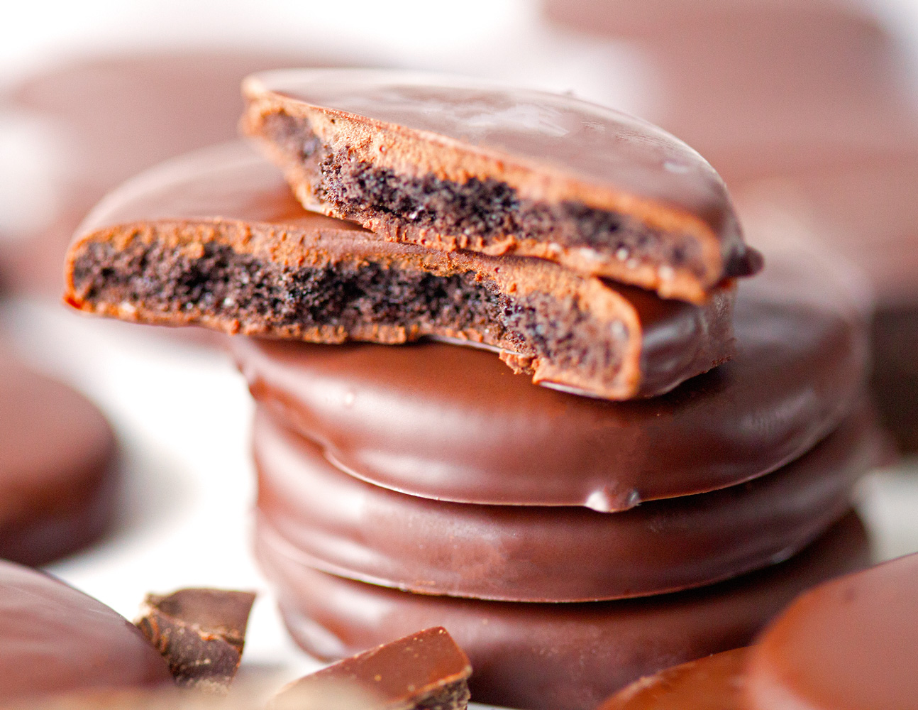 Easy Thin Mints by Deliciously Yum!