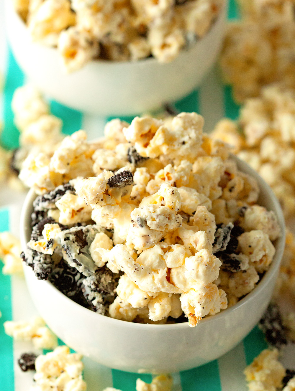 Cookies and Cream Popcorn by Deliciously Yum!