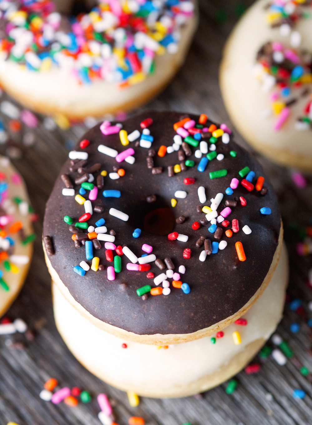Bakery-Style Doughnuts by Deliciously Yum!