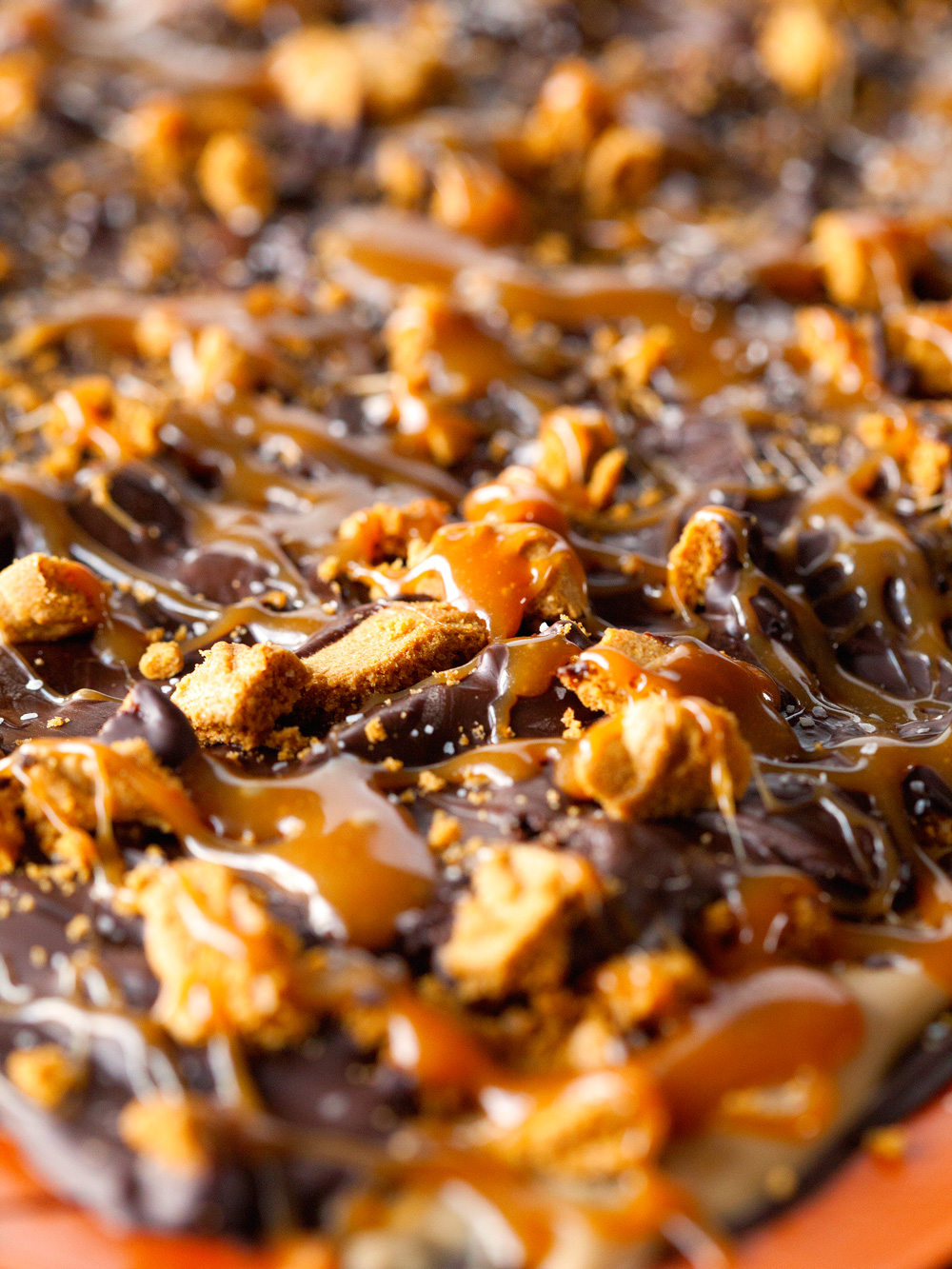 cookiebutter-caramel-chocolate-cookie-candy-bark