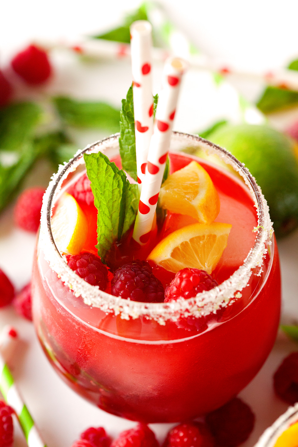 raspberry-lemonade-with-fresh-mint