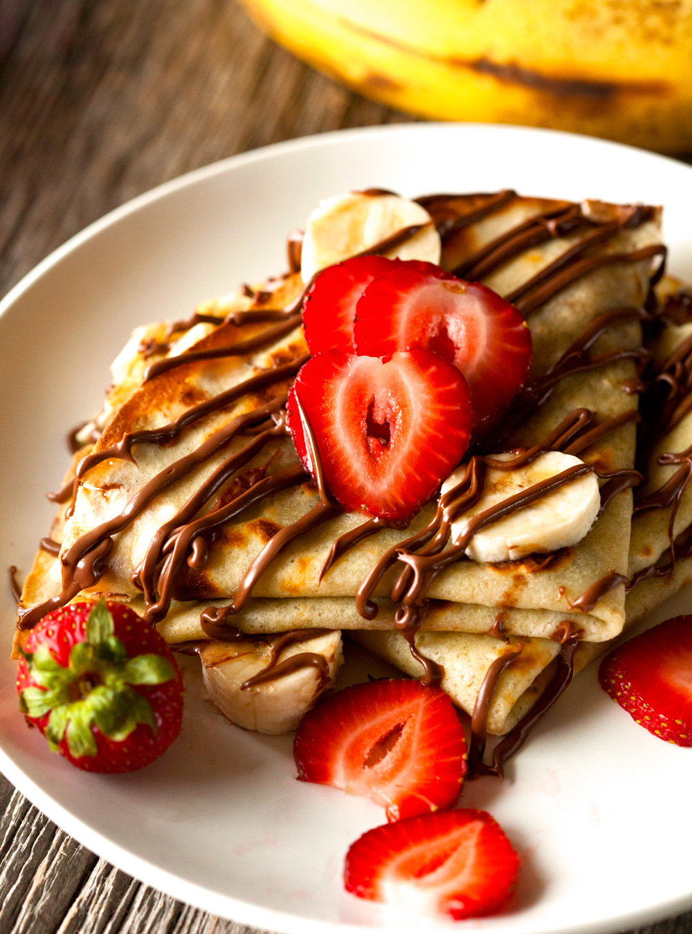 "Chocolate BananaCrepes."" Deliciouslyyum.com . N.p., n.d. Web. 14 Dec ..."