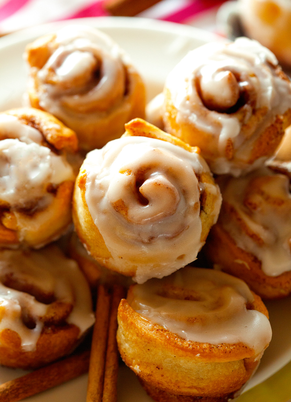 itty-bitty-cinnamon-rolls