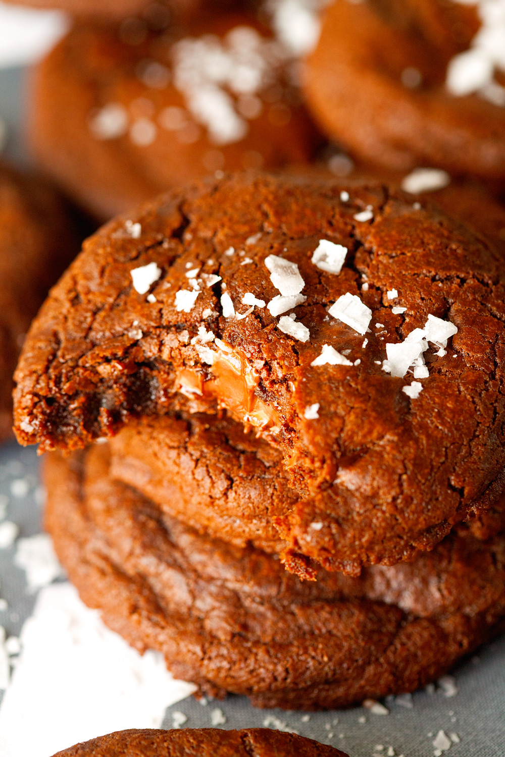 nutella-stuffed-double-chocolate-cookies