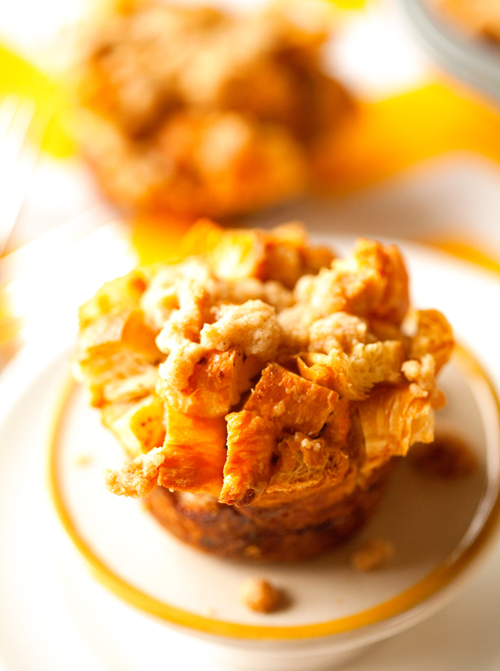 croissant-french-toast-crumble-muffins-with-streusel-topping