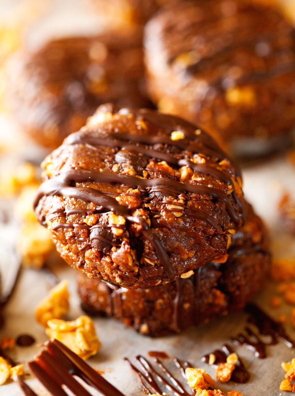 no-bake-chocolate-pumpkin-granola-espresso-cookies