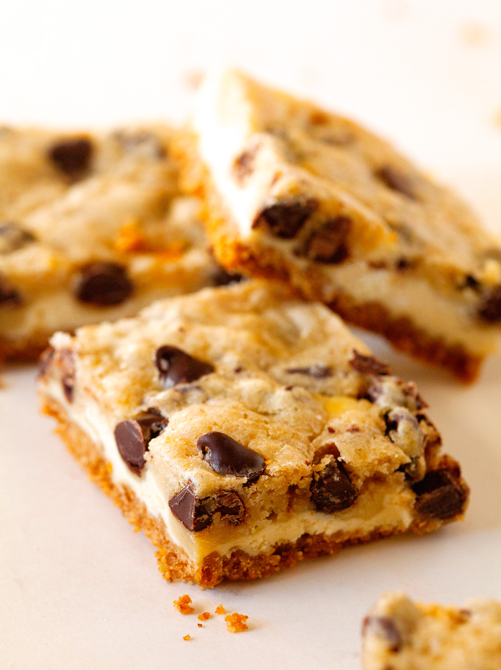 chocolate-chip-cookie-cheesecake-bars