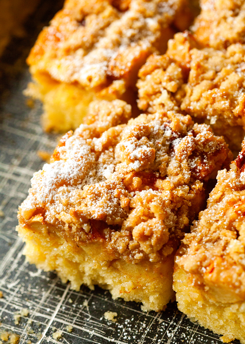 Eggless Apple Crumble Cake Recipe